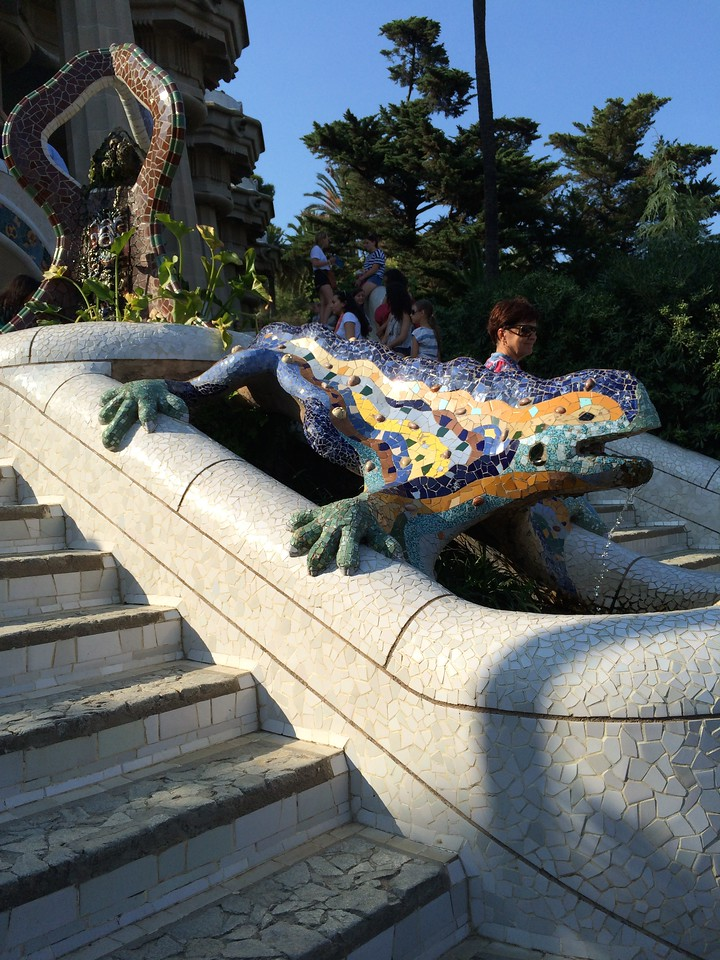 The famous tiled mosaic, dragon/lizard.