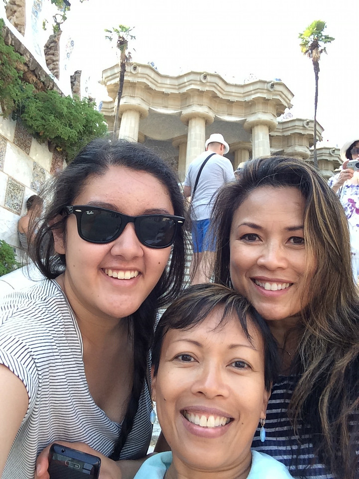 Can't get enough selfies;-) Here on the steps leading up to the Marketplace.