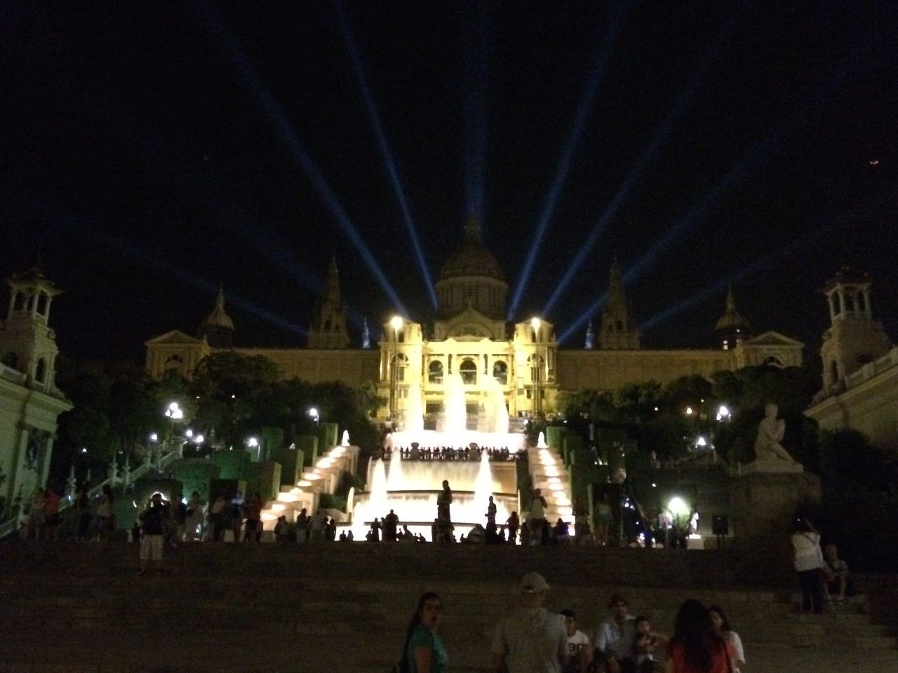 The Nacional Palau on the hill. Impressive with the fountains. The Palau houses the Museu Nacional d'Art de Catalunya. We will have to visit the museum next time.